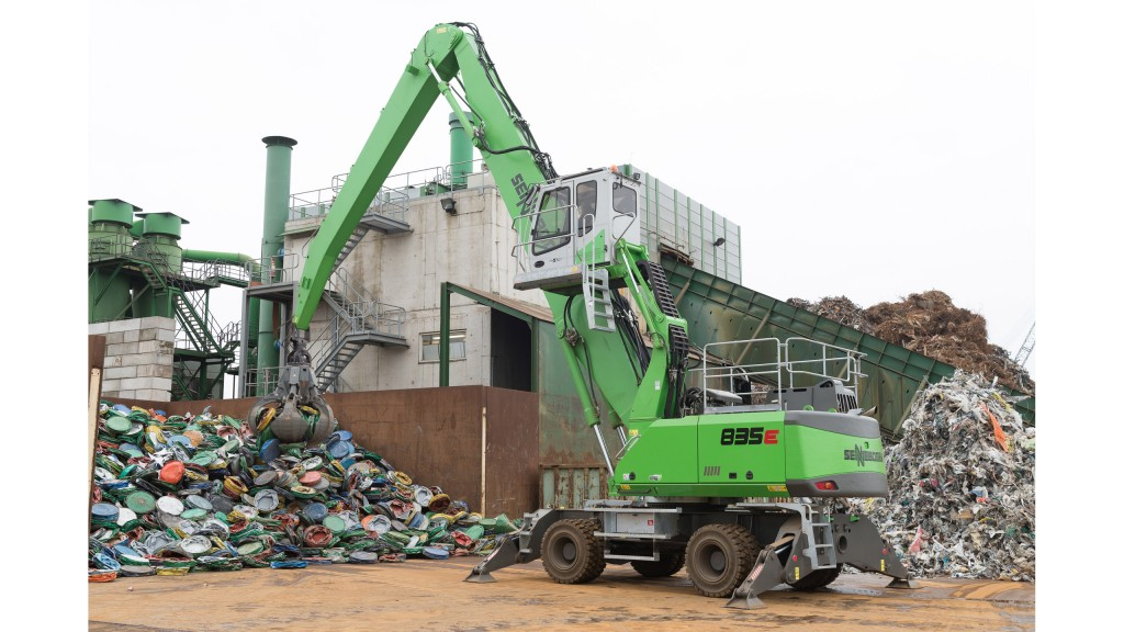 Twin Sennebogen machines handle scrap for Dutch company