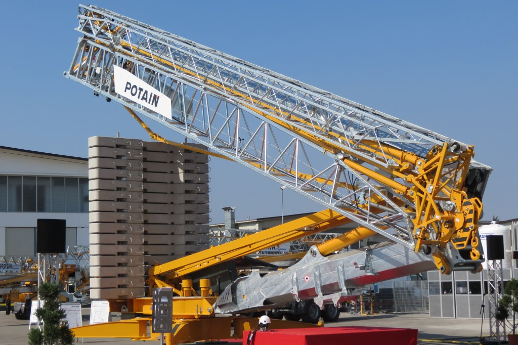 Manitowoc Company, Inc - PotainHup 40-30 Self Erecting Cranes