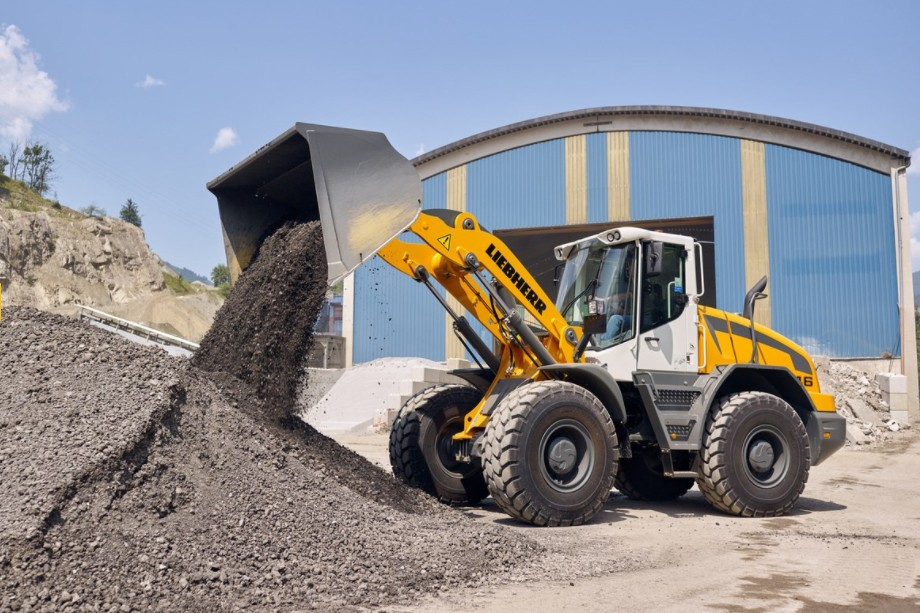 Liebherr Canada - L 546 Wheel Loaders