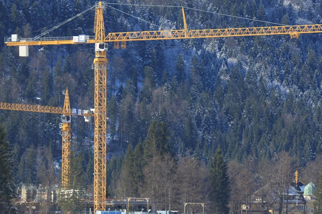 Liebherr Canada - 630 EC-H 40 Litronic Tower Cranes