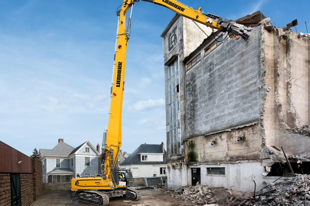 Liebherr Canada - R 960 Demolition Litronic Demolition Excavators