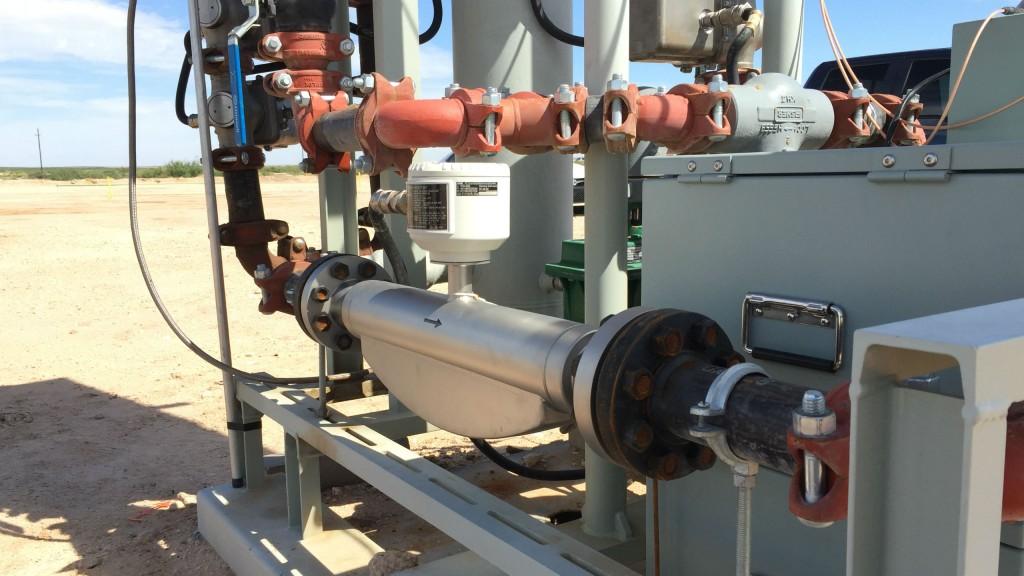 Compact, high-accuracy coriolis flow meter