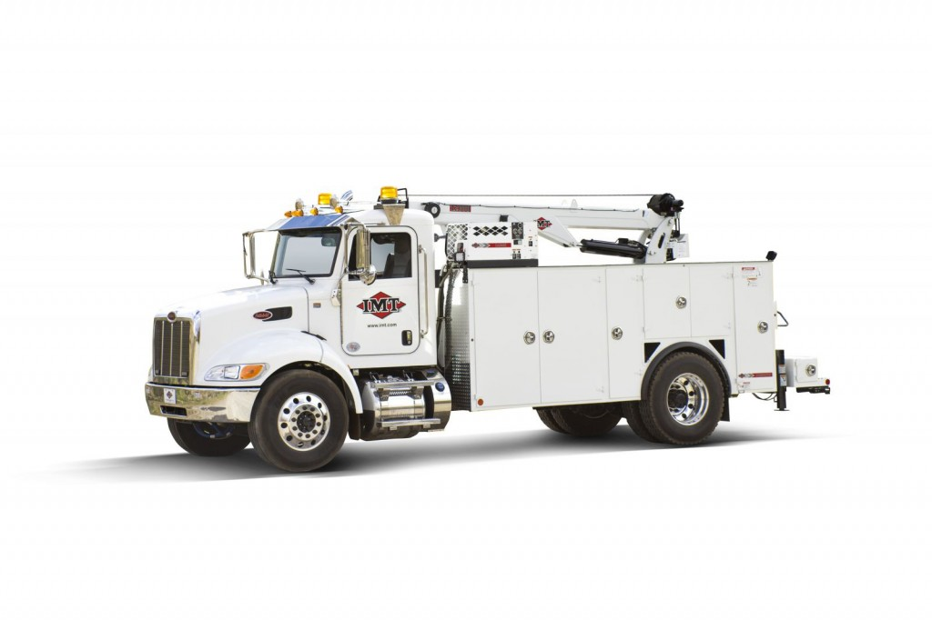 Iowa Mold Tooling Co. Inc. (IMT) - Dominator® III Truck Mounted Cranes