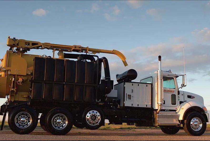 McLaughlin - VXT8 Mega Truck Vacuum Excavators