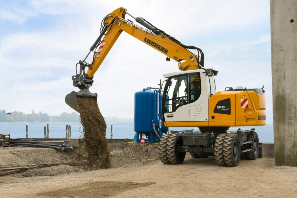 Liebherr Canada - A 918 Compact Litronic Wheeled Excavators