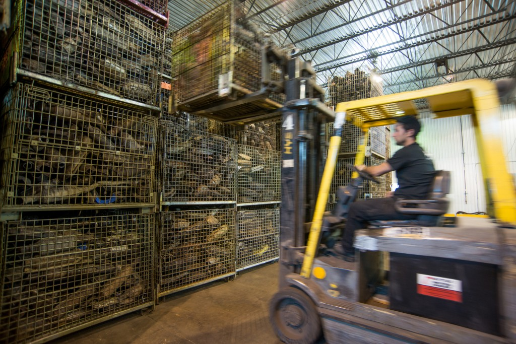 Quick tips on how to safely operate forklifts in recycling facilities