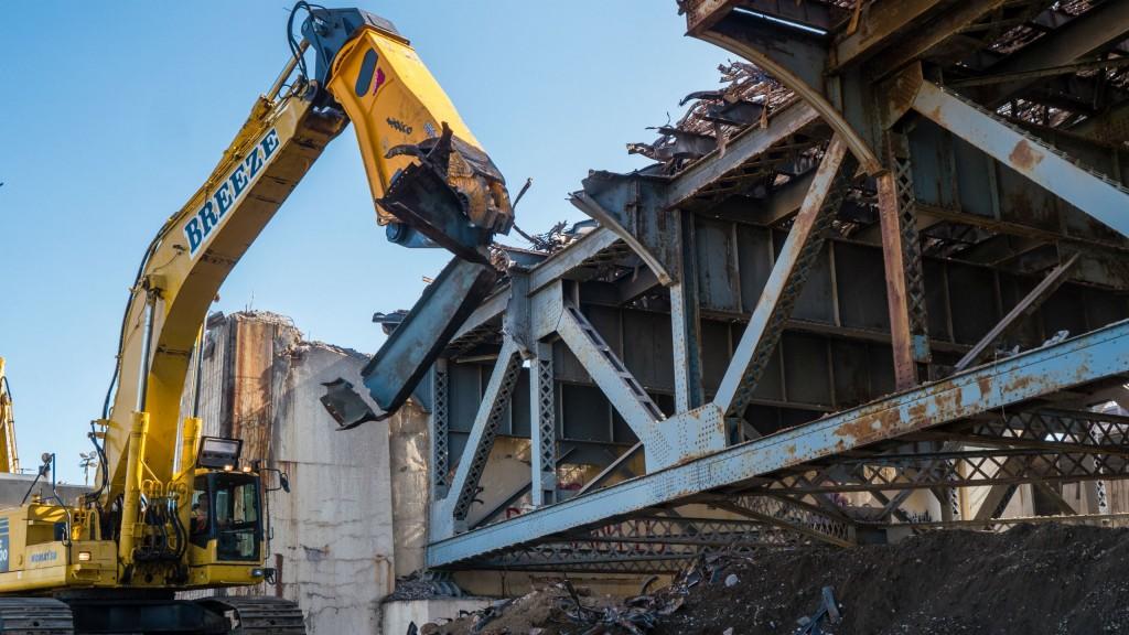 Indeco shears tackle bridge demo job in NYC