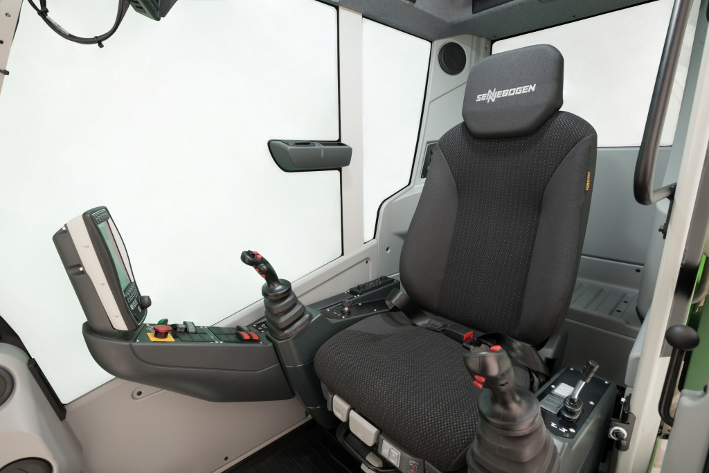 The newly upgraded SENNEBOGEN Maxcab is longer, providing the operator with both more personal space and additional room for creature comforts and storage.