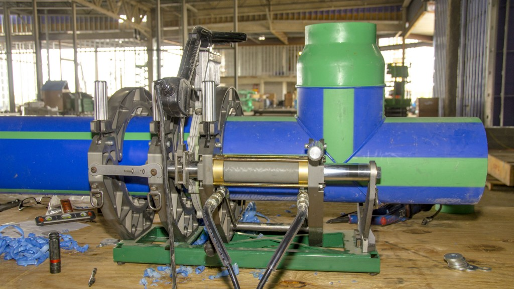 Acrobat 315 meets pipe fusion capability needs