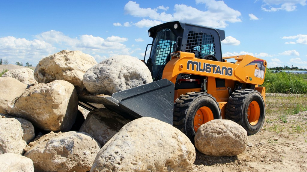 The large 4200V skid-steer loader is ideal for heavy construction and roadbuilding applications.