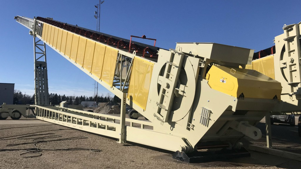 The 210-foot road-portable TeleStacker conveyor.