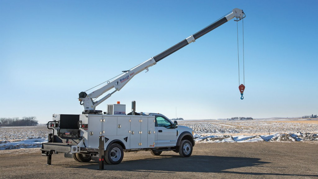 The 6521 telescopic crane from Stellar Industries offers boom articulation of -10 to +80 degrees.