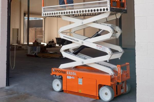 Snorkel - S3215L Scissor Lifts