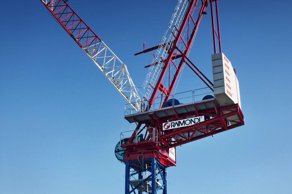 Raimondi Cranes - LR330 Luffing-Jib Tower Cranes