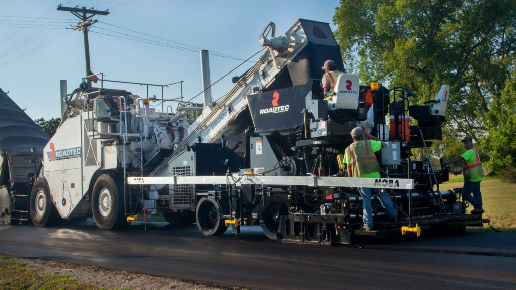 Roadtec says that the Stealth Paver is easy to operate from either side.