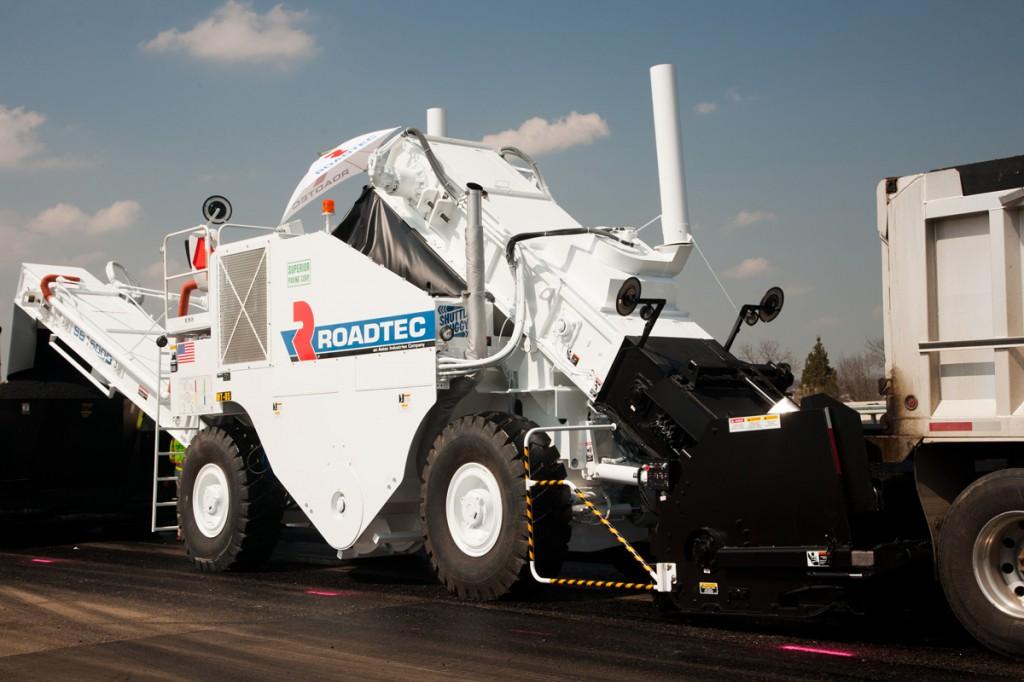 Roadtec - SB-1500e/ex Material Transfer Vehicles