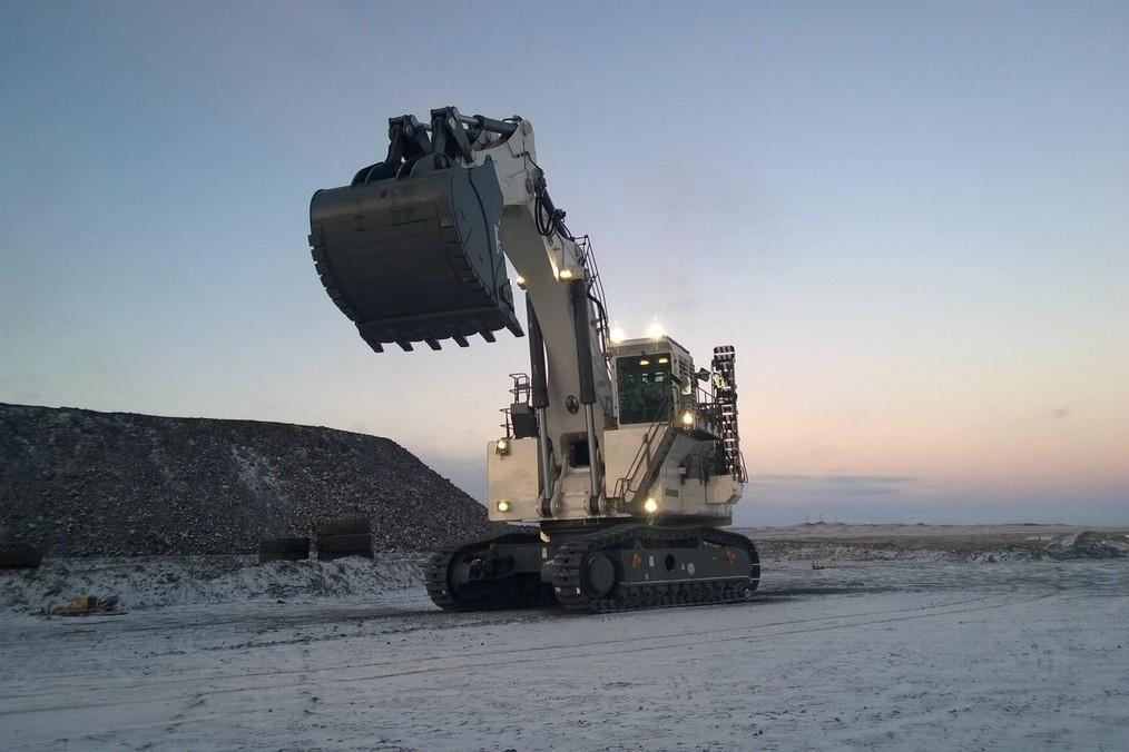 Liebherr Canada - R 9400 Mining Shovels