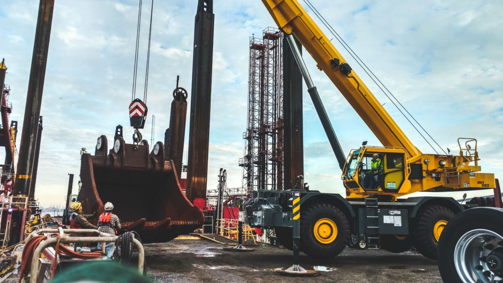 Manitowoc has introduced a new extended warranty program for Grove's GRT series of cranes.
