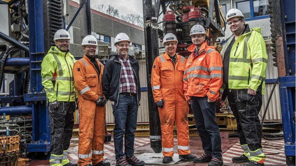 (left) Magne Mykkeltvedt (Ardyne), Jan Audun Omdal (Ardyne), Hans Christian Karlsen (Statoil), David Stewart (Ardyne), Stephen Hoey (NOV), Steffen Hansen (Ardyne).