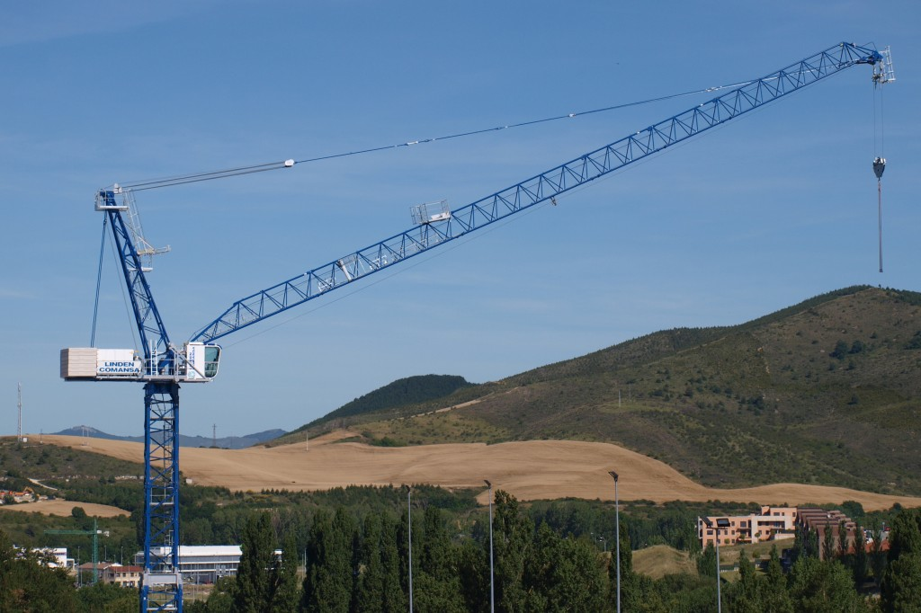 Linden Comansa America - LCL Series Luffing-Jib Tower Cranes