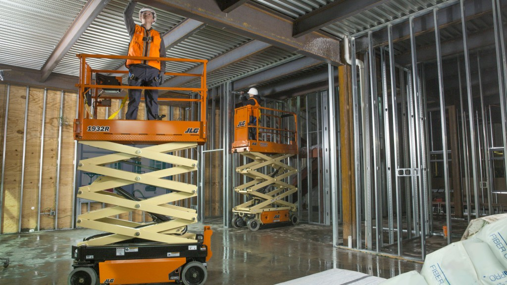 "JLG: ""Exclusive technologies differentiate scissor lift offering"""