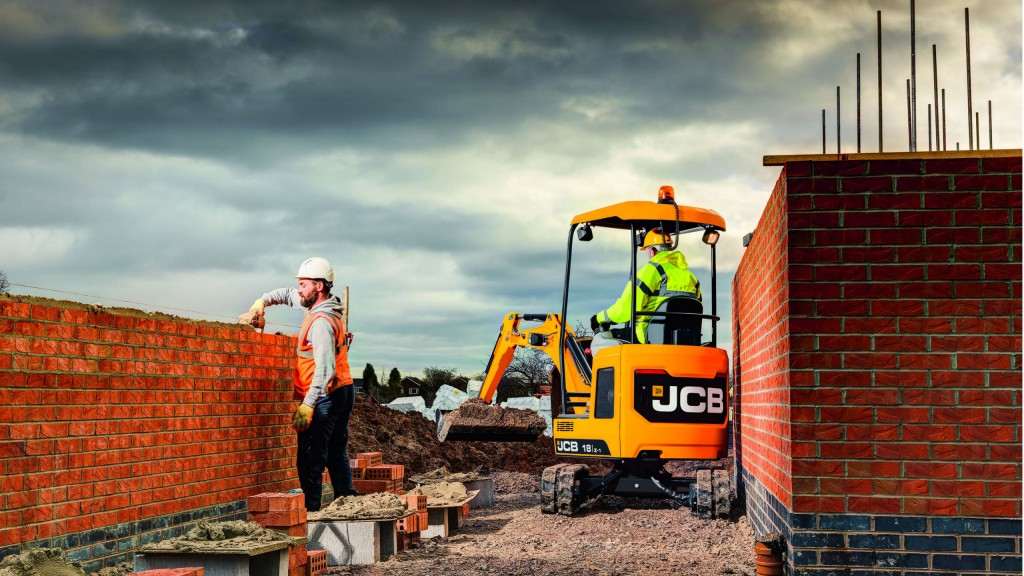 The JCB 18Z-1 and 19C-1 compact excavators use a next-generation, four-plate boom and dipper design.