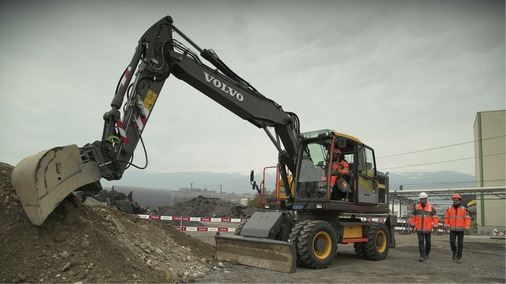 "Volvo CE tests safety concepts with Colas as part of ""Safer@Work"" research project"