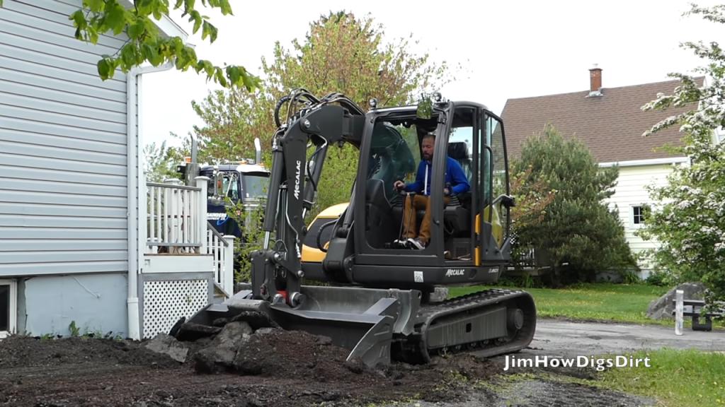 Saunders Equipment demoed the Mecalac 6MCR crawler skid-excavator in Nova Scotia.