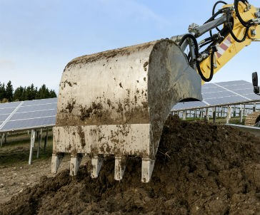 Quick coupler systems and attachments from Liebherr meet wide range of jobsite needs