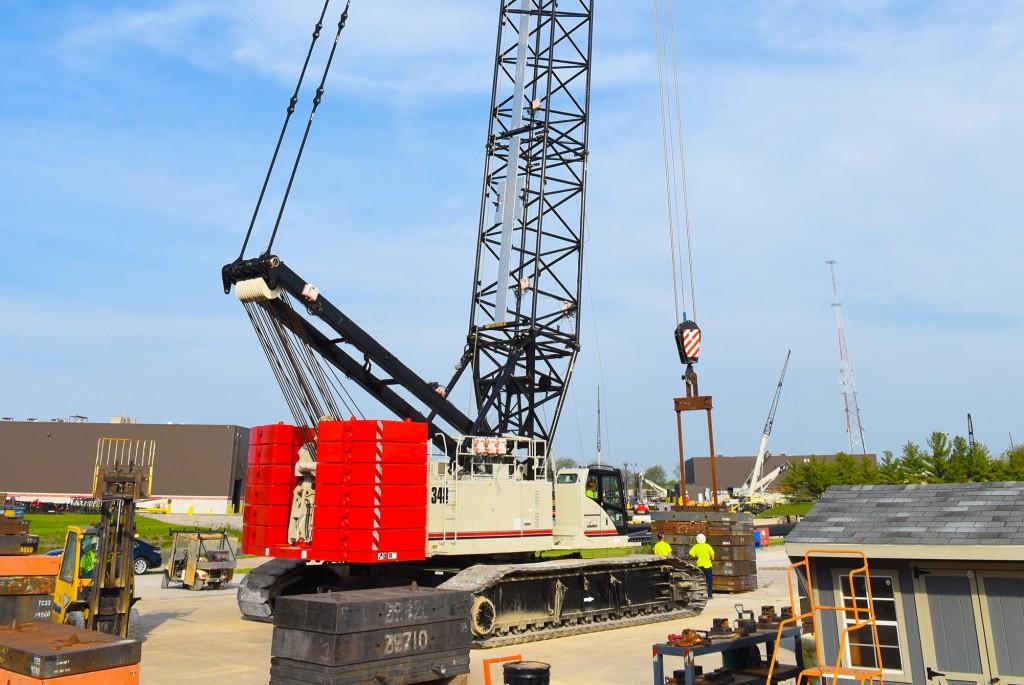 Link-Belt Construction Equipment Company - 348 Series 2 Crawler Cranes