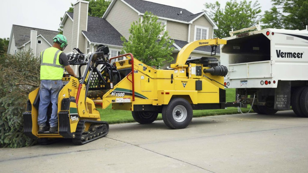 Vermeer BC1500 brush chipper now available with gas engine