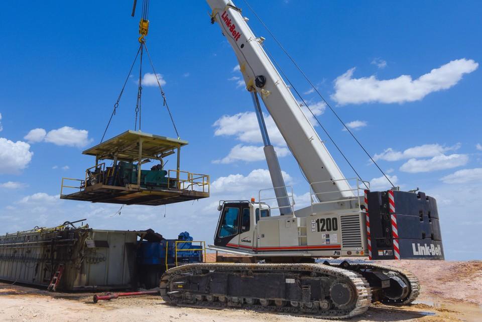 Link-Belt Construction Equipment Company - TCC-1200 Crawler Cranes