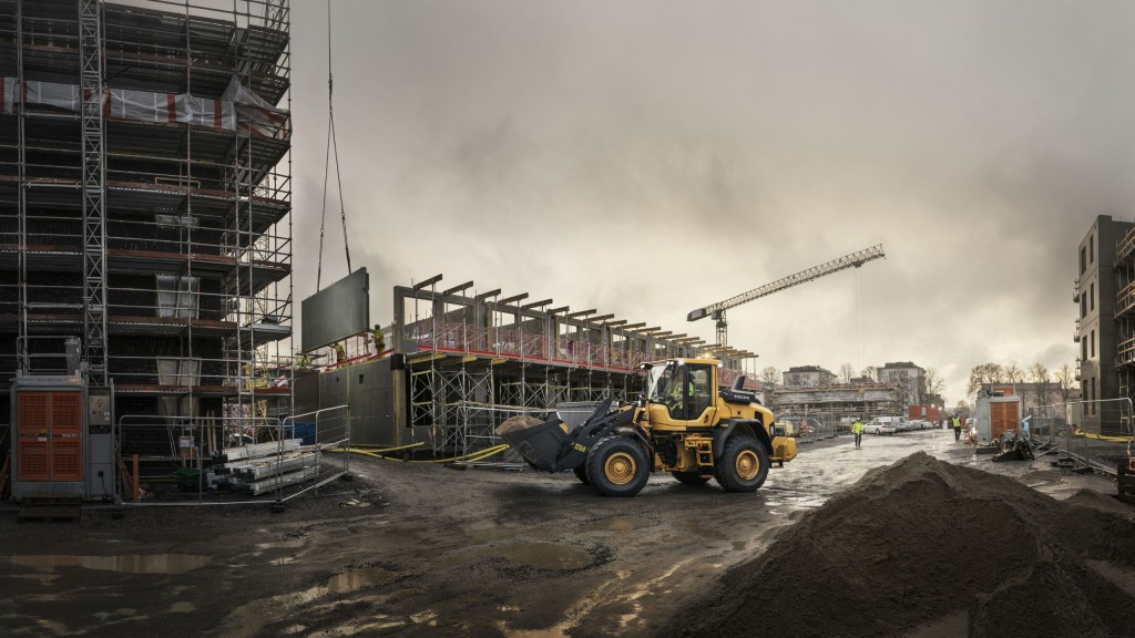 Volvo mid-size loader updates deliver up to 25 percent greater fuel efficiency
