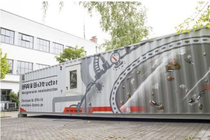 The first mobile BRAIN BioXtractor tech-scale operation unit is based at BRAIN's headquarters in Zwingenberg, Germany. Image courtesy of BRAIN AG, Zwingenberg.