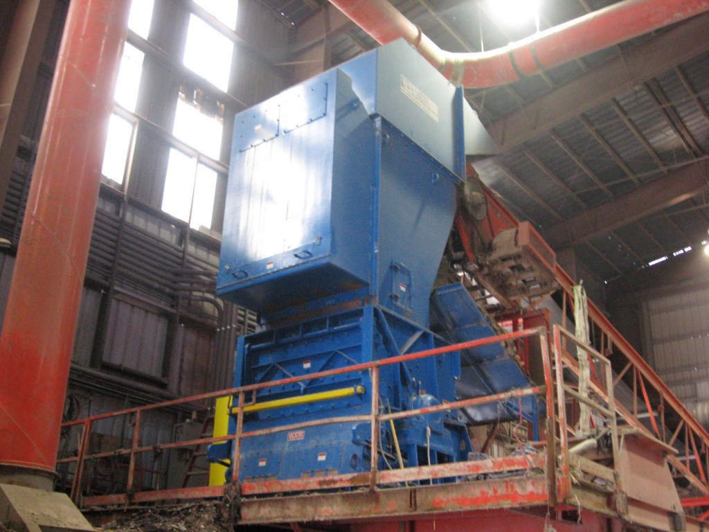 West Salem Machinery wood waste grinders feature easy maintenance and long-term productivity