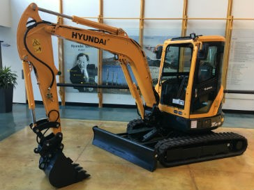 Hyundai upgrades R35Z-9A compact excavator for performance, convenience, serviceability and safety