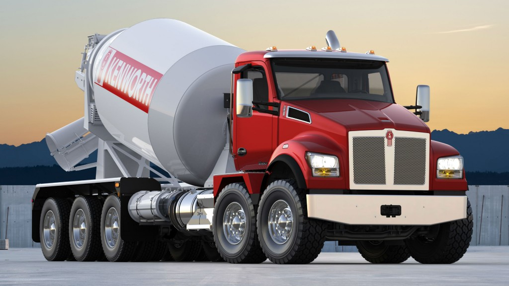 The Kenworth T880S with twin steer has a short 114-inch BBC allowing larger bodies to sit further forward and closer to the cab.