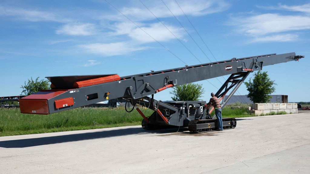 The new Superior tracked stacker will be one of the heaviest models available in its class at 34,000 pounds (15,420 kg).