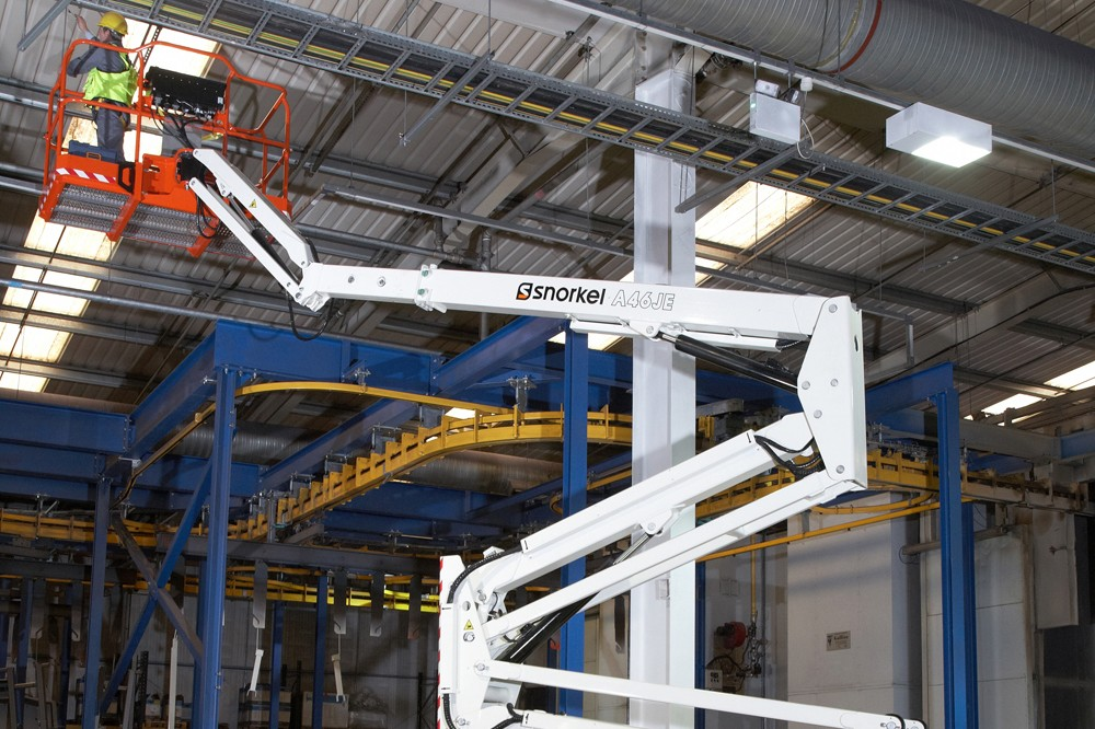Ahern Canada - A46JE Articulated Boom Lifts