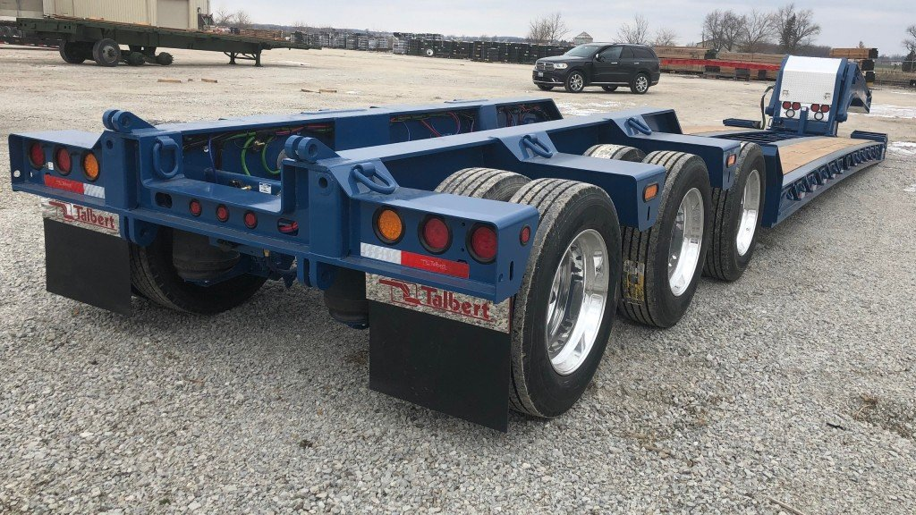 Talbert's 60CC/55SA-LD trailer pairs with the company's optional East Coast-style E1Nitro axle extension, allowing for 60-ton capacity with a close-coupled configuration or a 55-ton hauling capacity with a spread axle configuration.