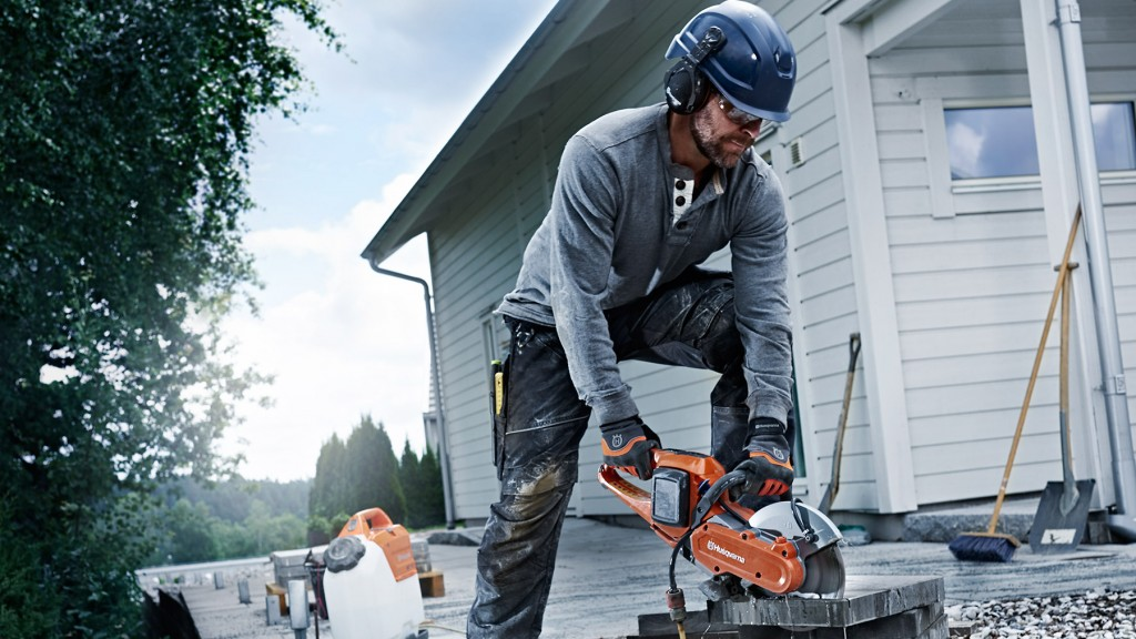 """The K 535i is an excellent addition to Husqvarna Construction's power cutter range. The easy starts and light weight make it a perfect complementary product that adds  flexibility to most smaller operations,"""