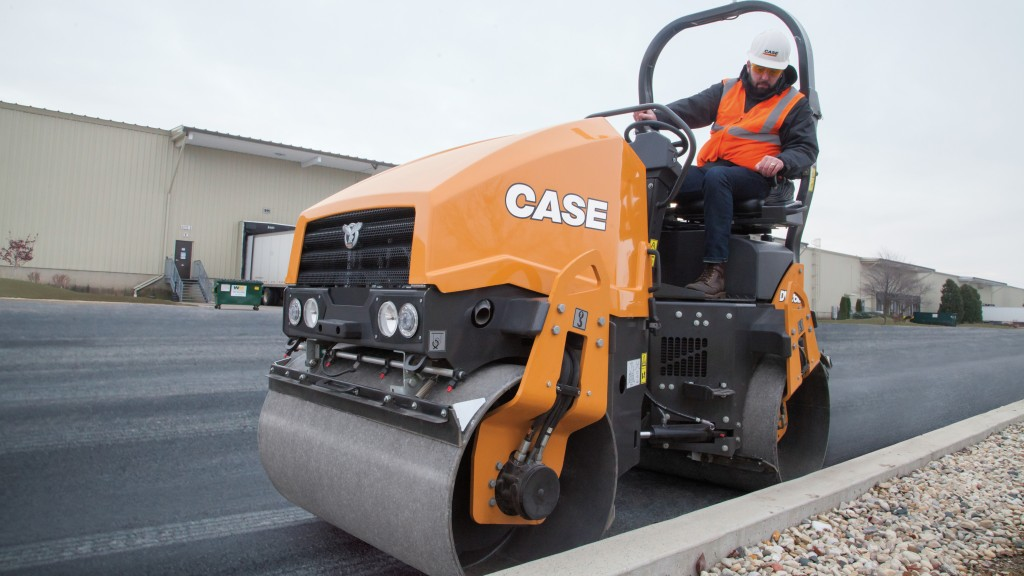 New DV23D and DV26D Double Drum Rollers and DV23CD and DV26CD Combination Vibratory Rollers deliver productivity solutions for small- to mid-size paving applications.