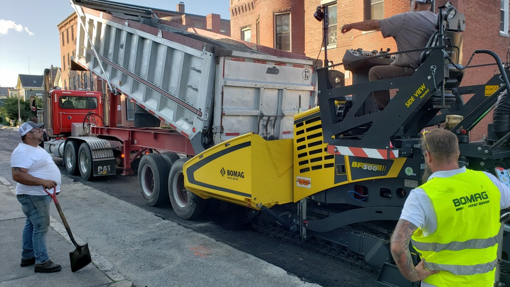 The new BF 300 C-2 track paver on display in BOMAG booth #17115 during World of Asphalt 2019 in Indianapolis, Ind. February 12-14 offers hydraulically variable paving widths from 5.6 ft (1.7 m) to 11.2 ft (3.4 m).