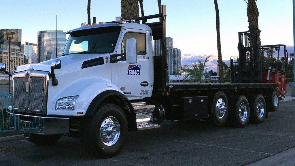 The Kenworth lineup is led by the Kenworth T370 6x6 Valew Water Tanker, equipped with a 20K front drive axle and a PACCAR PX-9 engine, and a Kenworth T880 BMC flatbed powered with a PACCAR MX-13 engine, matched to a PACCAR 12-speed automated transmission. Source: TruckPR