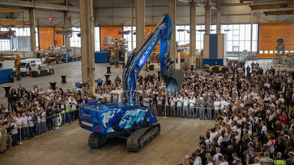 The 60,000th crawler excavator to be produced at the Liebherr-France SAS site in Colmar was presented on March 1st​.