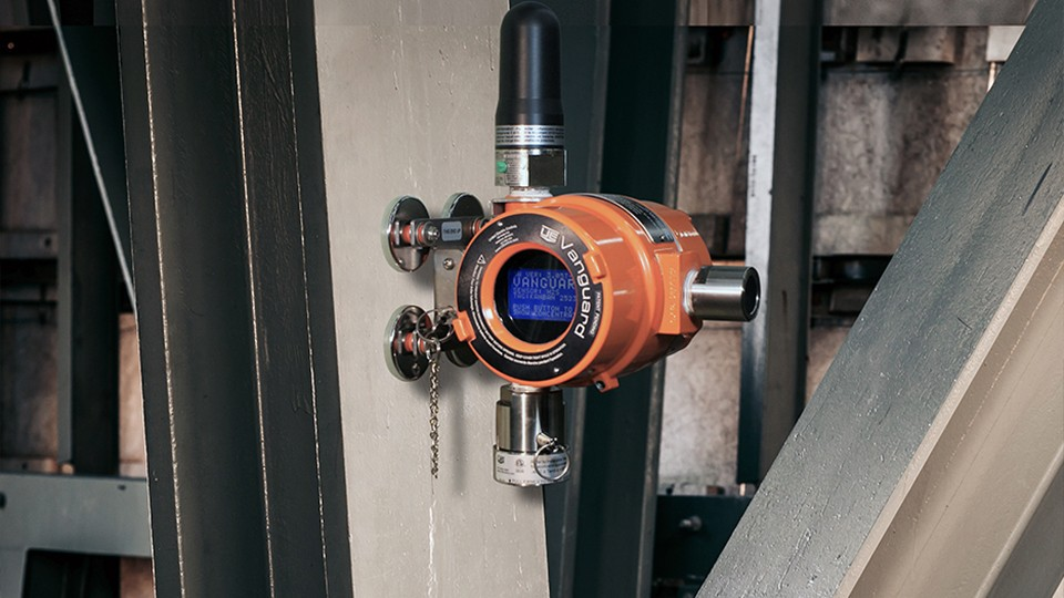 The new Vanguard WirelessHART gas detector version also features its new FLEXmountTM installation, which augments Vanguard standard mounting with magnetic and universal options.
