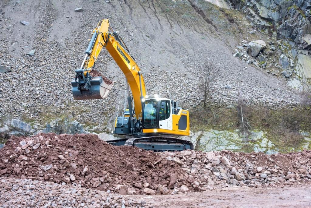 Liebherr Canada - R 930 Litronic Excavators