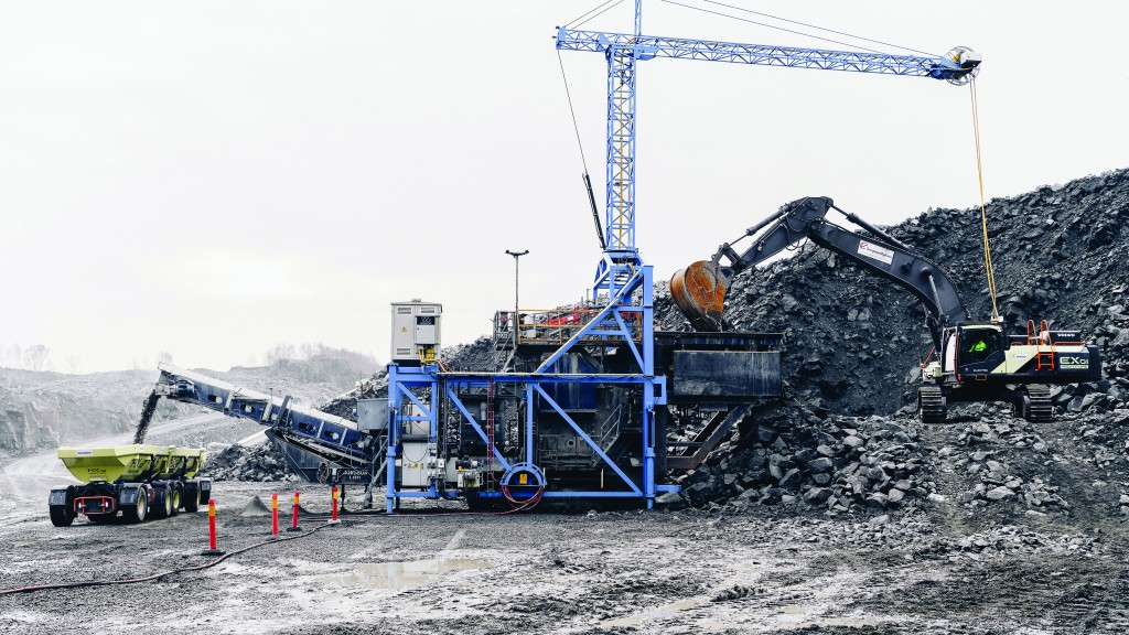 The EX1 prototype dual-powered, cable-connected excavator feeding the electric primary crusher.