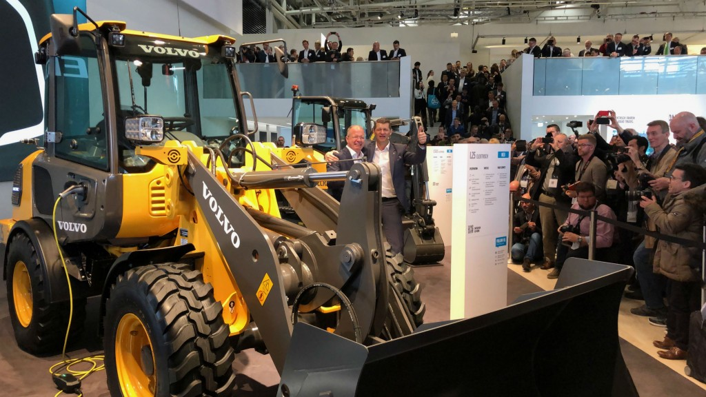 Martin Lundstedt, president and CEO of the Volvo Group, and Melker Jernberg, president of Volvo CE, at the unveiling of Volvo CE's first machines in its new compact electric range.