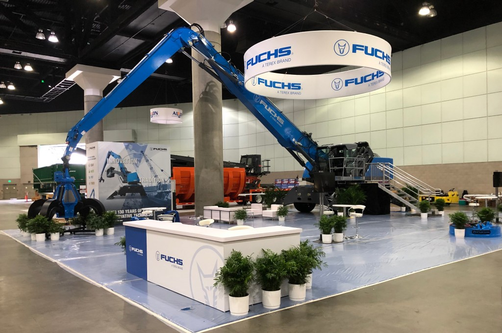 ​FUCHS showing MHL 370 F2 material handler at ISRI 2019